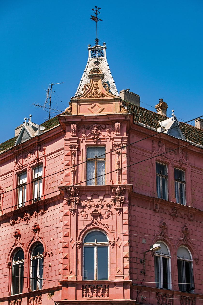 Milkó Palace – The Strawberry House